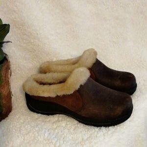 Dansko fur lined distressed leather clog